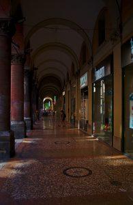 Arkadengänge in Bologna interrail routen