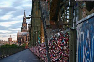 Schlösser Hohenzollnerbrücke Köln Interrailuber Deutschland nach Schweden