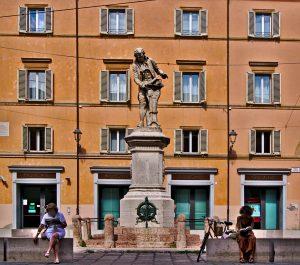 Brunnen in Bologna Interrail von slowenien nach Italien