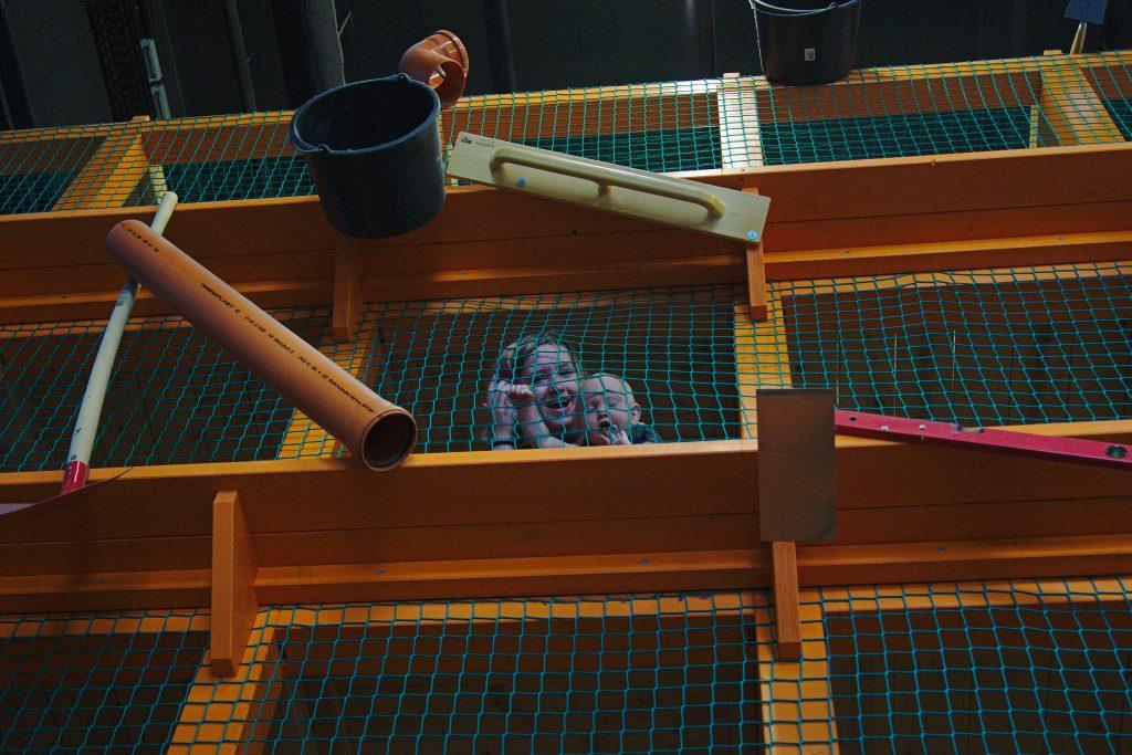 Kinder Spielplatz Netz Gruselkabinett der Bilder Odysseum Köln