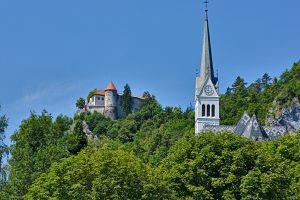 Burg und Kirche in Bled am See