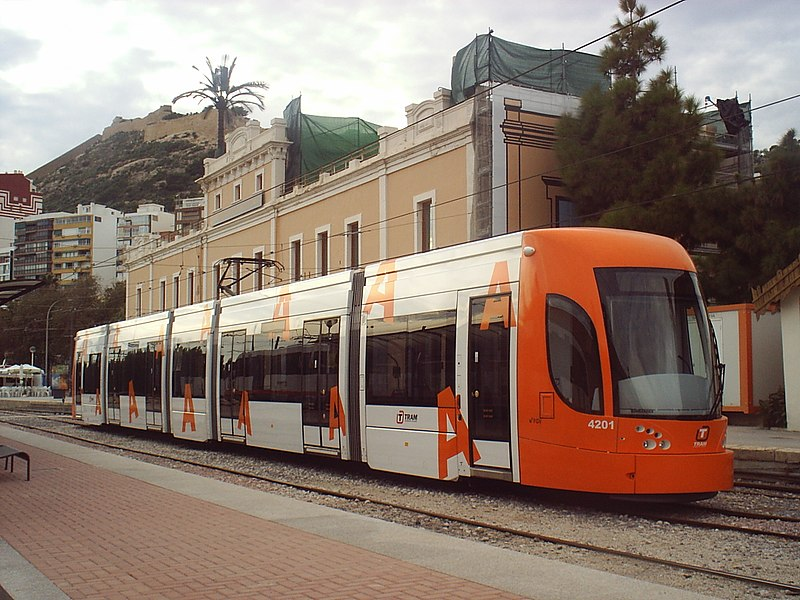 Tram Alicante im Winter