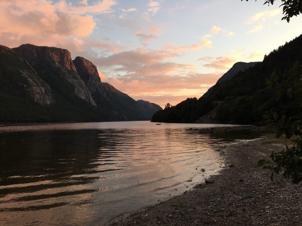Nordlandfiber Berge und see