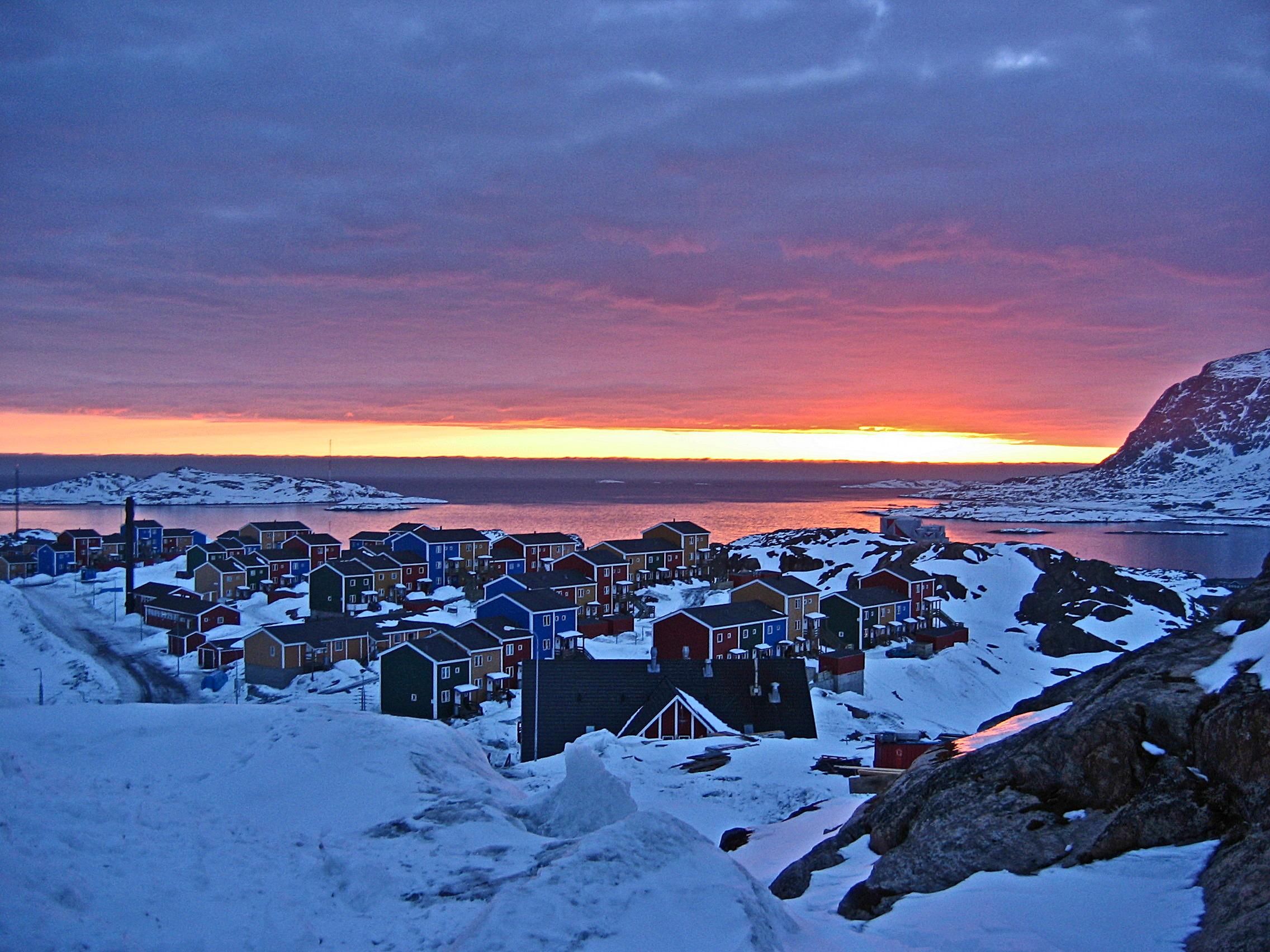 Sonnenuntergang über Sisimiut