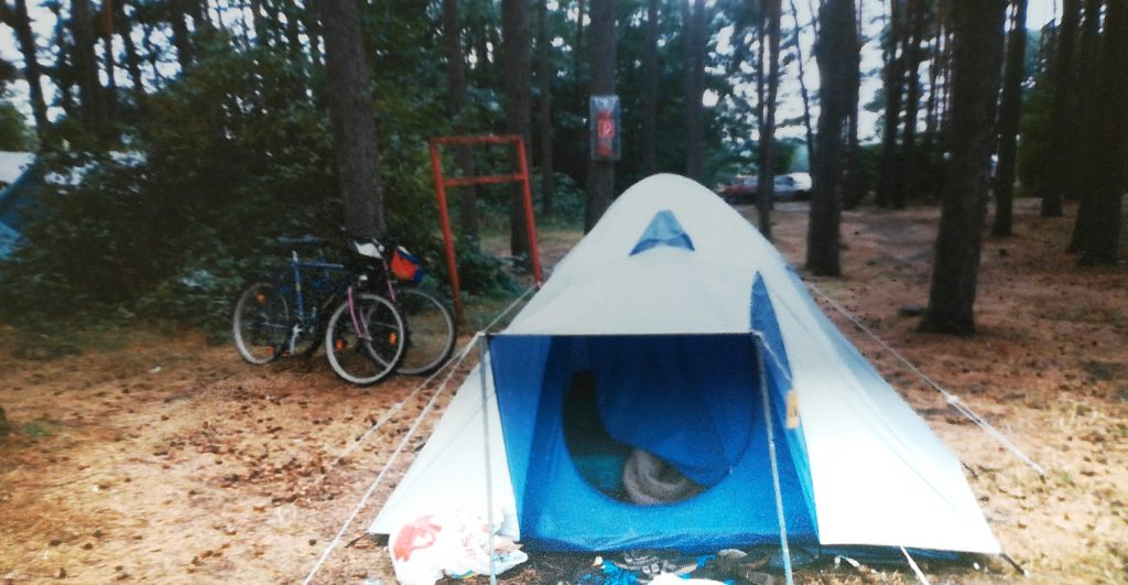 Meckenburger Seeplatte Zelt und Fahrrad Mommente für die ewigkeit