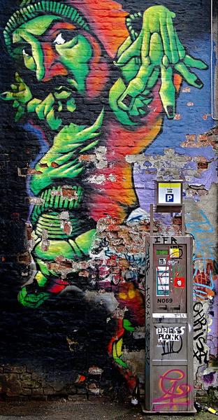 Graffiti mit vielen Komplementärfarben in Olso