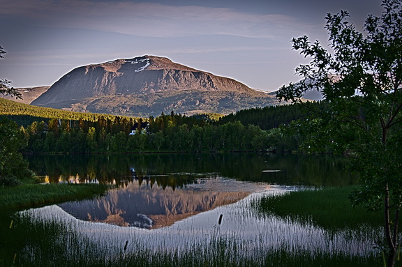 Berg und see in Nord Norwegen was die skandinavier so glücklich macht