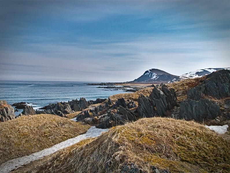 Felsiger Strand im Norden Norwegens