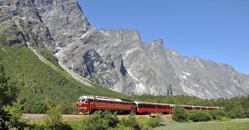 Bahnfahren in Norwegen Raumabahnen Trollveggen