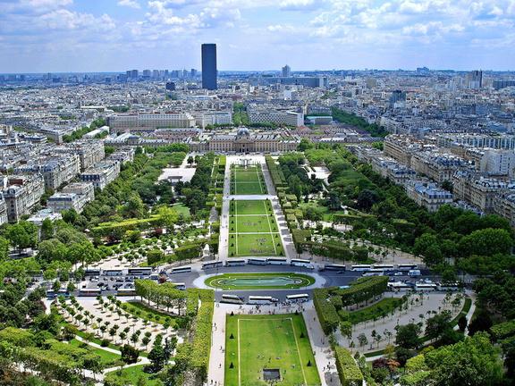 Paris vom Eiffelturm aus gesehen interrail routen