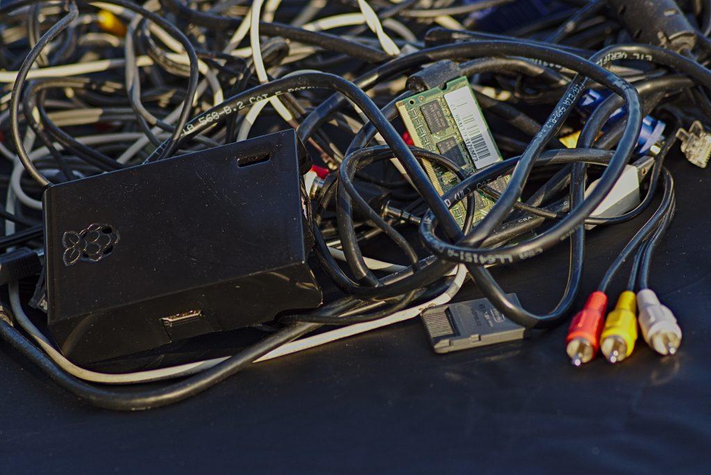 Datensicherung, Kabel und anderer computerkram