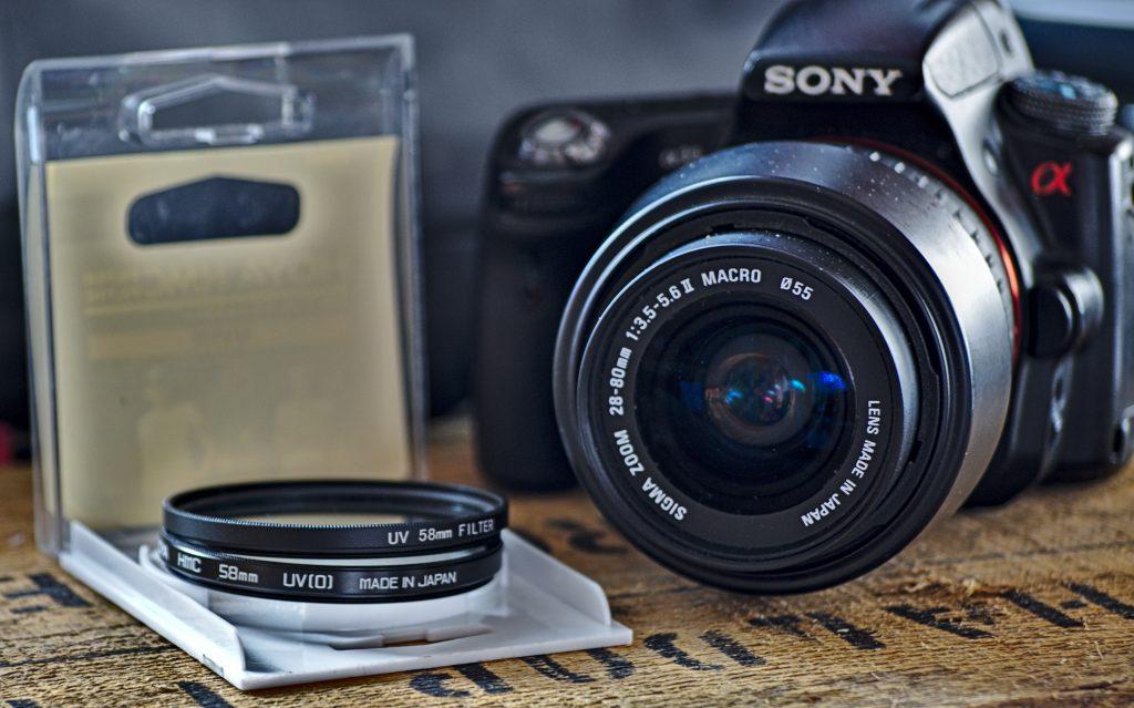 Ein paar UV-Filter, wie sie die meisten Fotografen besitzen.
