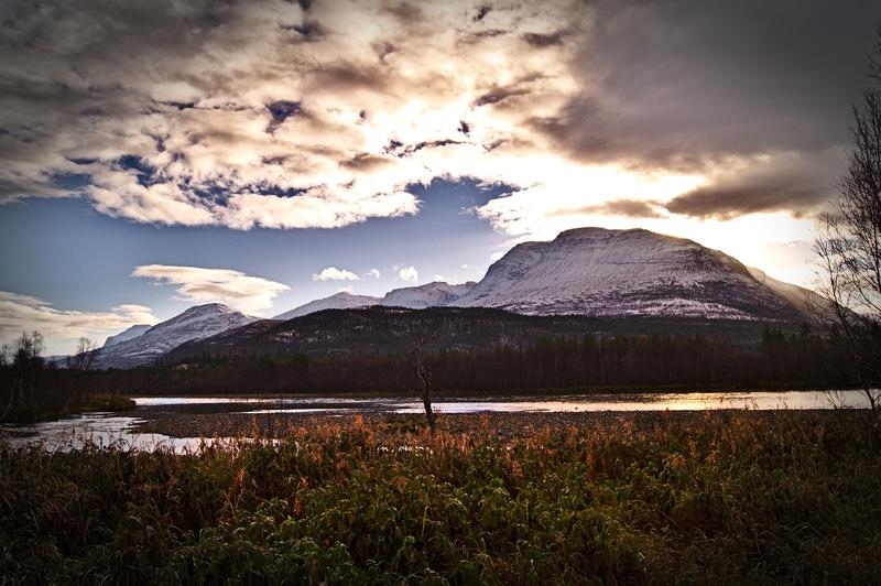 Nordnorwegen Skandinavien Familienurlaub Berglandschaft