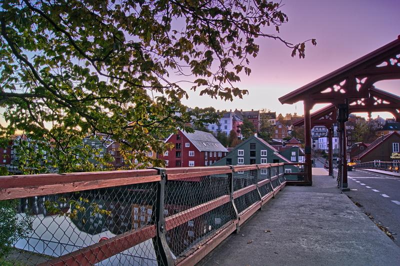 Brücke in der Altstadt Trondheims