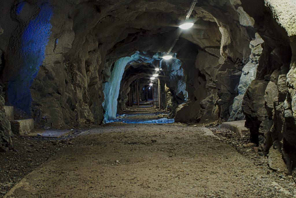 Unterirdische Gänge in der Festung Hegra