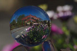 Gamle Bybro ind er Glaskugel fotografiert trondheim