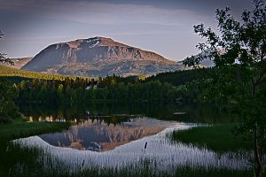 Bardufoss Berg und see