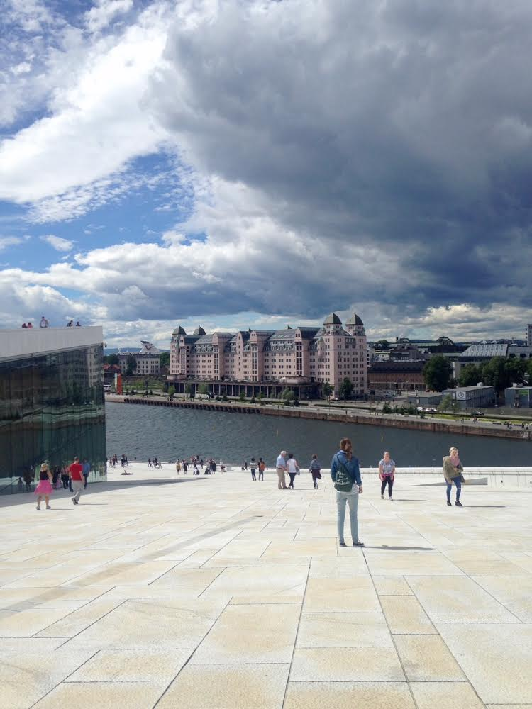 Auf dem Dach der Oper Oslo