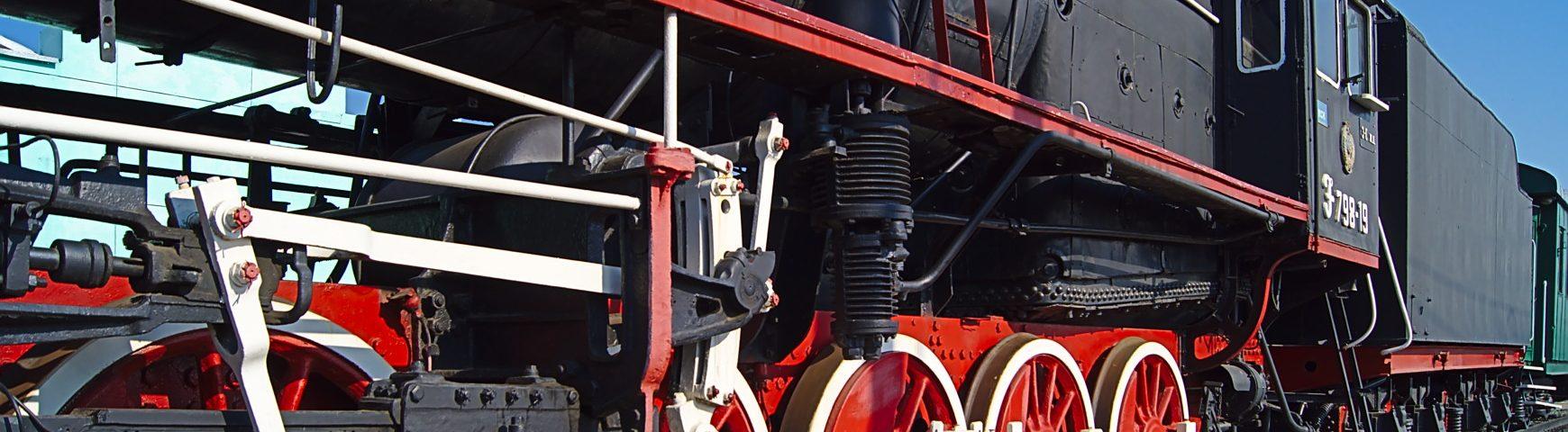 alte Dampflok auf einemBahnhof transibirischen eisenbahn