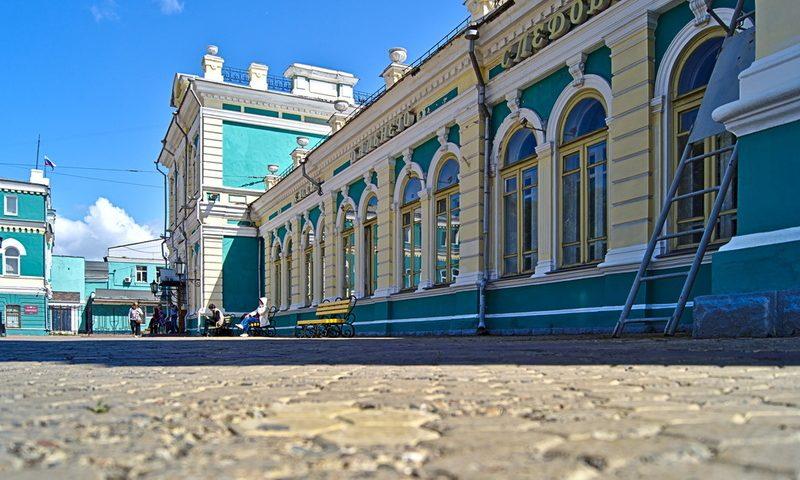 Bahnhof in Irkutsk reise mitd er transsibirischen eisenbahn