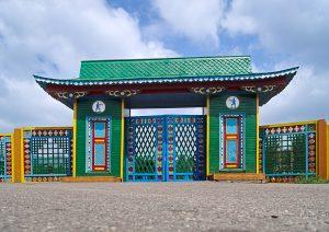 Eingangstor zum Ethnografischem Museum in Ulan Ude
