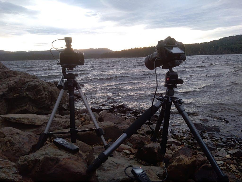 Zwei Kameras. Eine für Timelapse und eine für Langzeitbelichtung.