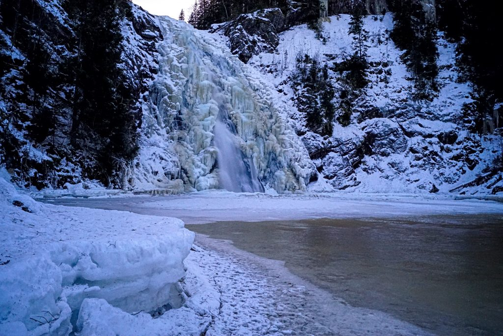 gefrorener Wasserfall Hommelvik Norwegen Jahresrückblick 2018