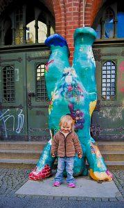 Machmit Museum Berlin eingang Berliner Bär mit Kind