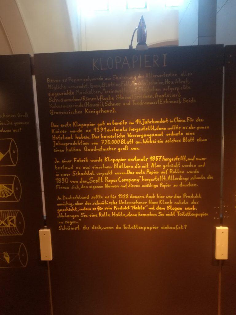 MAACHmit Museum BErlin Pipapo Ausstellung Geschichte des Klopapiers