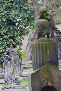 uralte Statuen