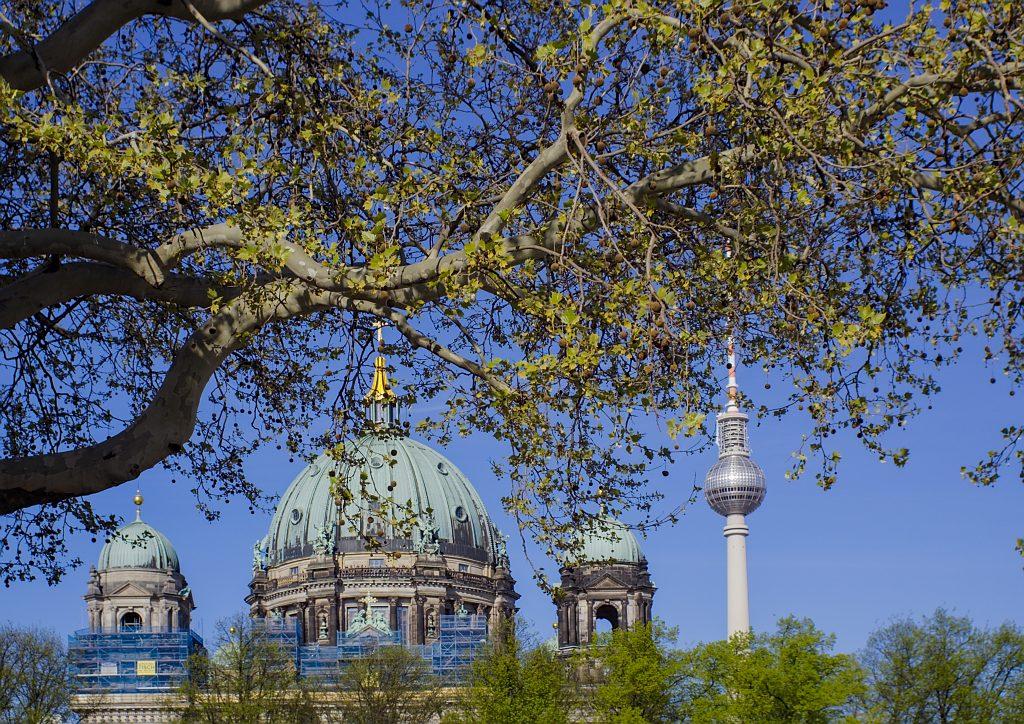Berliner Dom und Fernsehturm Deutschland Demokratie
