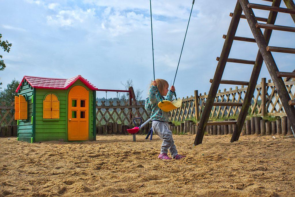 Spielplatz Residenz Pustnik Pestkownica Polen