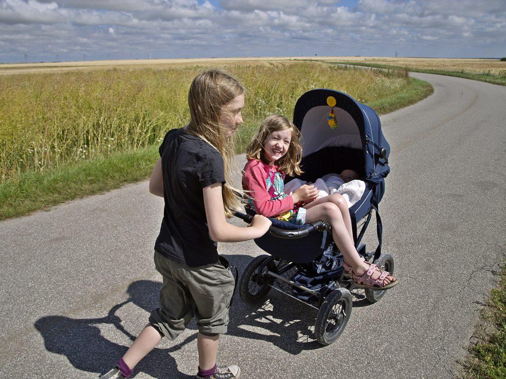 3 Kindermit Kinderwagen Dänemark Urlaub mit Baby