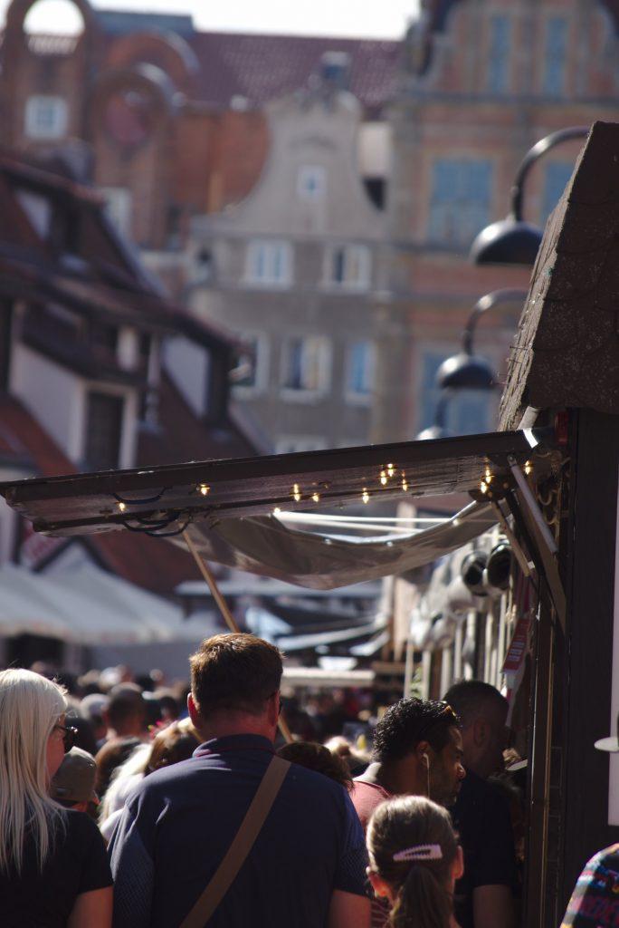 Menschenmengen Stände Dominikanermarkt Gdansk