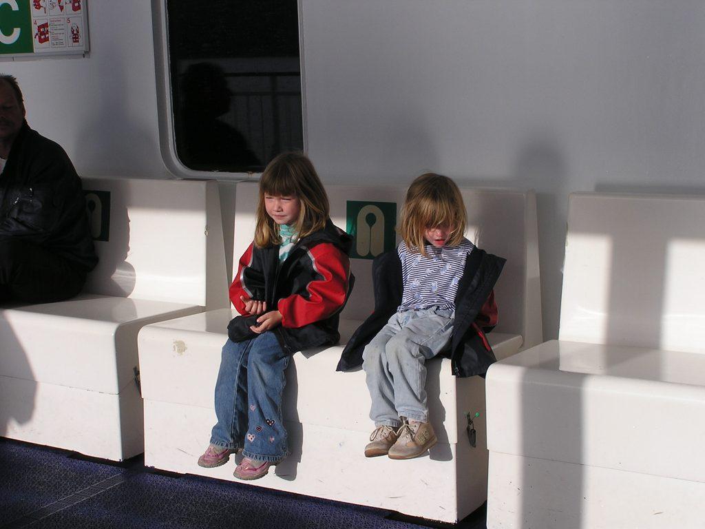 auwandern nach norwegen, 2 kinder fähre