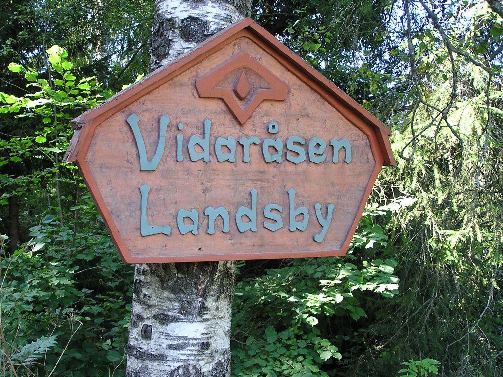 Vidarasen landsbu Eingangsschild, camphill auswandern nach norwegen