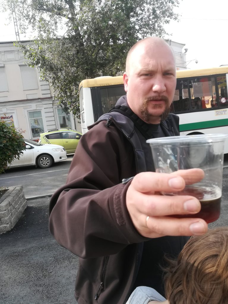 erste schlucke Kwas nationalgetränk in Russland
