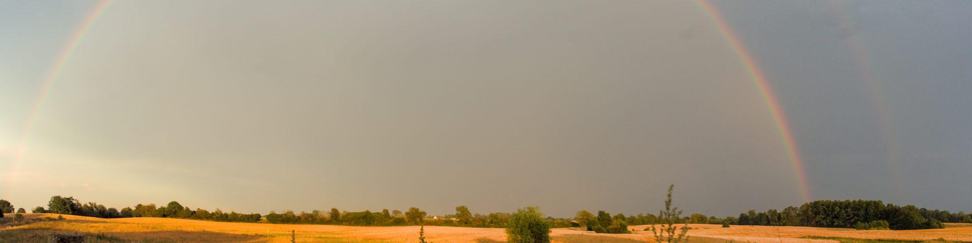 Regenbogen,Blick aus der Freiluftdusch,Uckermark,LiesjeTrecking