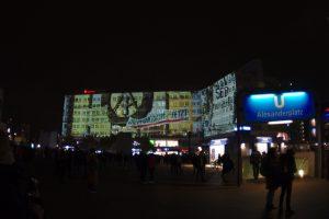 Videoinstallation Berlin November Demo DDR