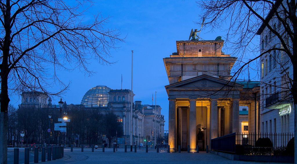 Berlin fotoparade 2020, Brandenburger Tor bei Sonenaufgang